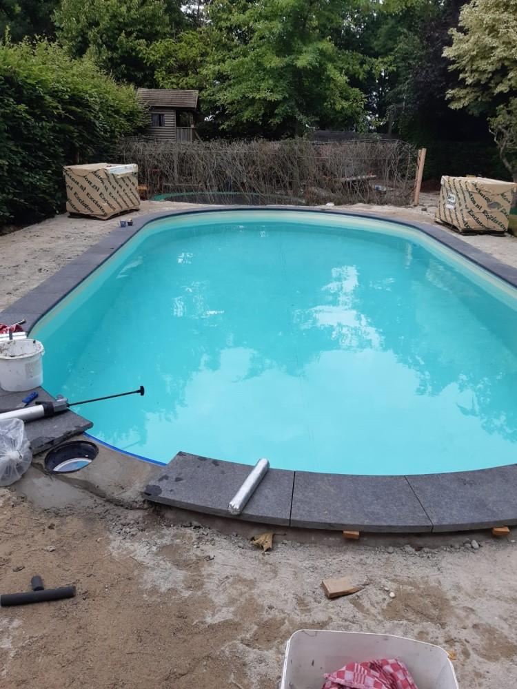 Afdichten rand zwembad